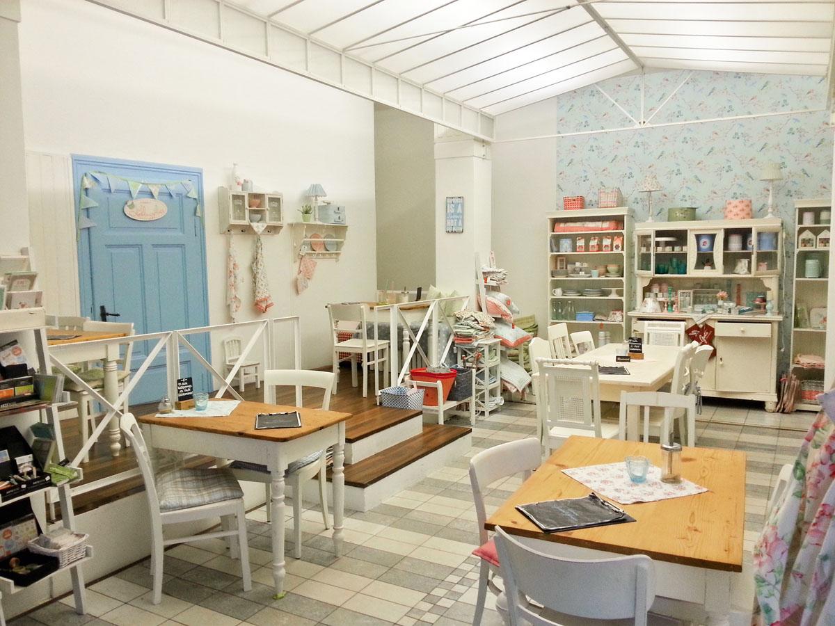 gl cksmoment hannover living. Black Bedroom Furniture Sets. Home Design Ideas