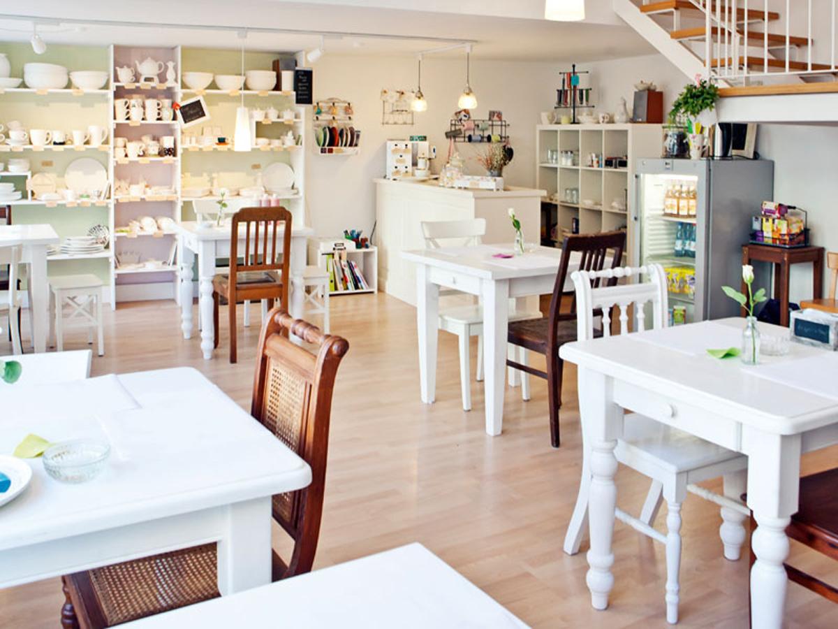 porzellancaf hannover living. Black Bedroom Furniture Sets. Home Design Ideas