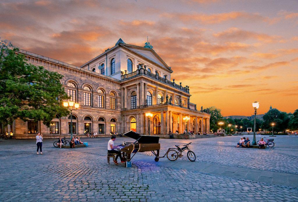 Opernhaus Hannover beleuchtet